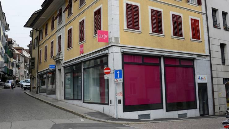 Ab Januar werden am Stalden 4 in Solothurn Produkte von Behinderten verkauft – und auch vor Ort produziert.