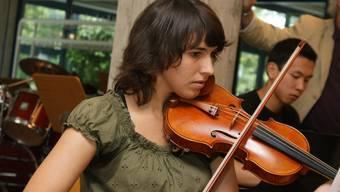 Die Kanti Limmattal wird das musische Profil mit Musik stärken (im Bild: Sommerserenade 2009).  mmo