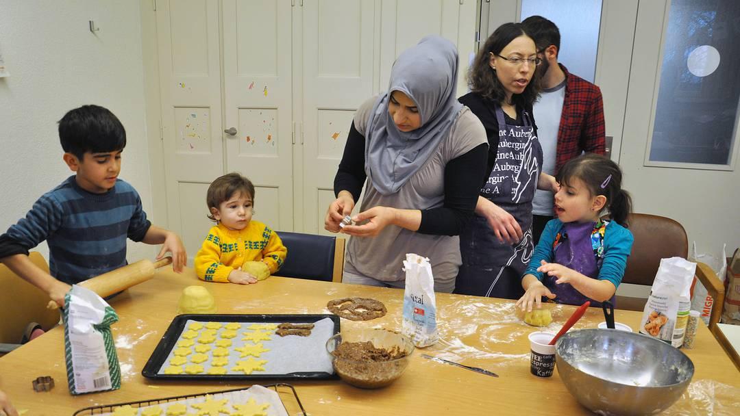 Gemeinschaft statt Geschenke: Unter den Flüchtlingen herrscht ...