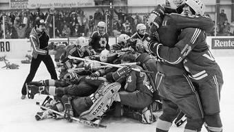 Sieg in Biel und Meistertitel! Die unbändige Freude der Eishockeyaner aus dem Schanfigg
