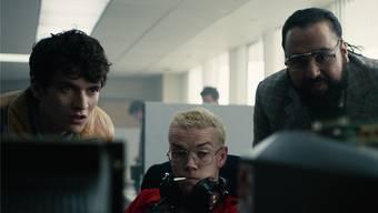 Fionn Whitehead (links) spielt einen Game-Entwickler, der von seiner Arbeit in den Wahnsinn getrieben wird.