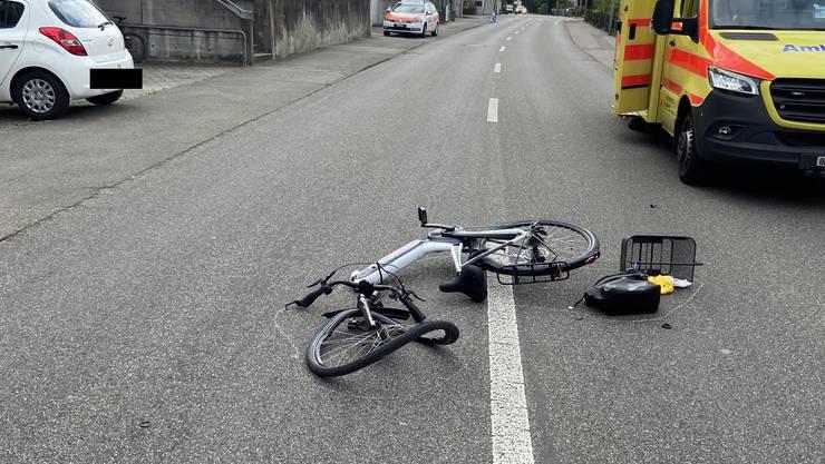 Die E-Bike-Lenkerin verletzte sich bei der Kollision schwer.
