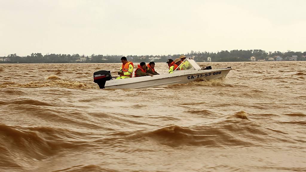 Immer mehr Tote bei Unwettern in Vietnam - Vermisste nach Erdrutsch