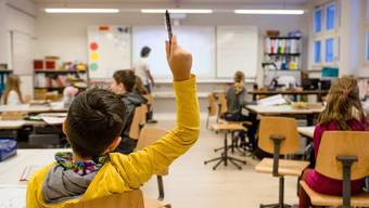 Alleine im Kanton Baselland sind vierzig Lehrer-Stellen ausgeschrieben – jedoch meist nur mit tiefen Anstellungsprozenten und für Spezialisten wie Heilpädagoginnen und Heilpädagogen.