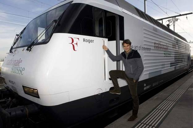 Roger Federer weiht Lokomotive ein