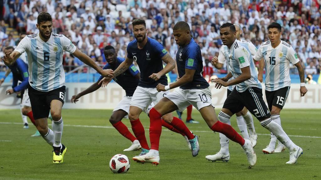 Ein harter Kampf zwischen Frankreich und Argentinien.