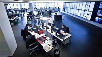 Im Newsroom in Aarau laufen alle Fäden zusammen.