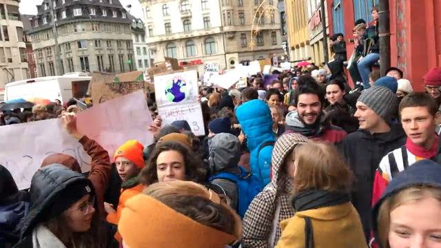 21. Dezember 2018: Hunderte Schüler demonstrierten in der Innenstadt.