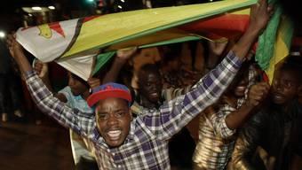 Simbabwe feiert den Rücktritt von Mugabe