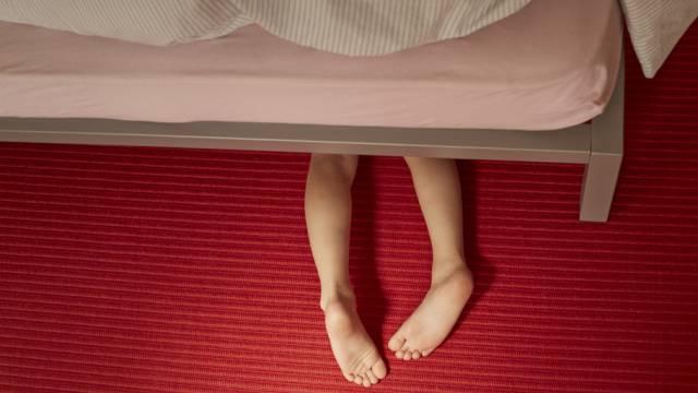 Weltweit sind Kinder Misshandlungen ausgesetzt (Symbolbild)
