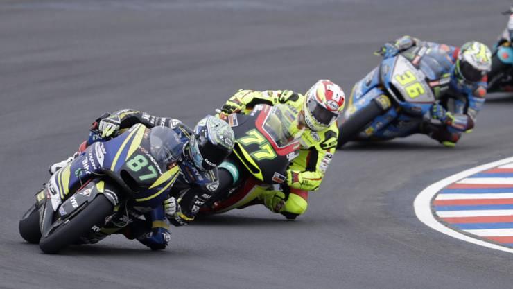 Dominique Aegerter (in Gelb) in Argentinien in der Verfolgergruppe der Moto2-Spitze