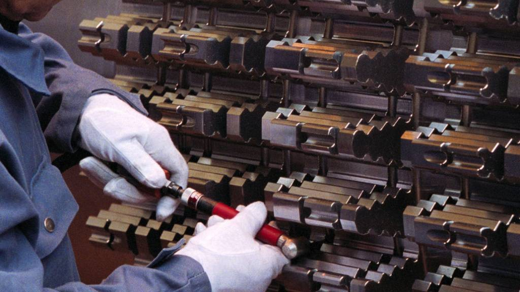 Die Schweizer Maschinen-, Elektro- und Metallindustrie will mit seinen Umsätzen im zweiten Halbjahr bereits wieder das Vorkrisenniveau übertreffen. (Archivbild)