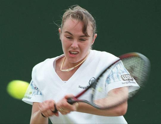 Die Schweizerin ist mit 16 Jahren jüngste Grand-Slam-Siegerin. 5 Major-Titel gewann sie. Mit 22 hörte sie auf, kam zurück, hörte wegen einer Dopingsperre 2007 erneut auf, spielt nun wieder Doppel.