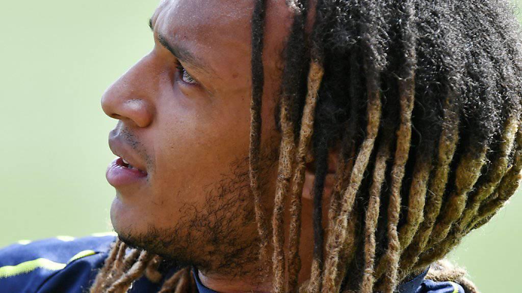 Kevin Mbabu ersetzt gegen Dänemark auf der rechten Seite Captain Stephan Lichtsteiner
