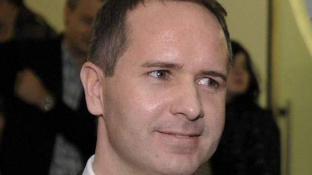 Der St.Galler Regierunsrat Stefan Kölliker empfiehlt ein Kopftuchverbot an den Schulen (Archiv)