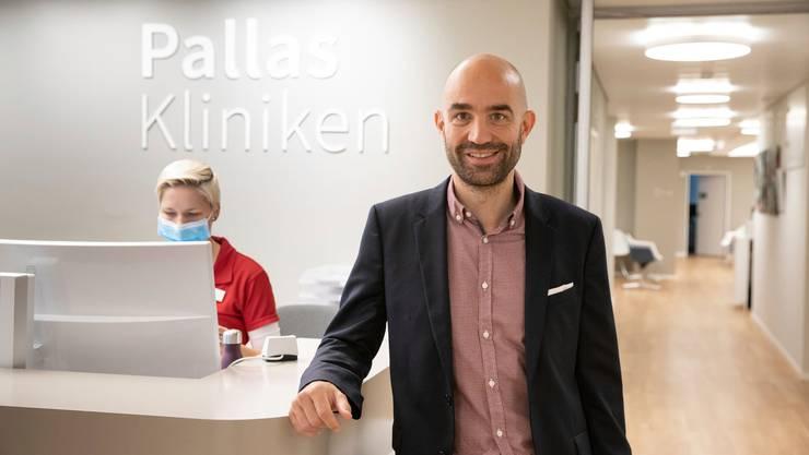 CEO Georgos Pallas will die Räumlichkeiten der Pallas Kliniken im Sälipark trotz geplanten Umzug auf dem modernsten Stand halten.