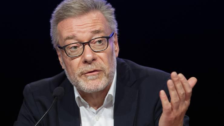 Markus Notter, der Präsident der Expertenkommission, empfiehlt etwa «ein Haus der anderen Schweiz». (KEY/Peter Klaunzer)