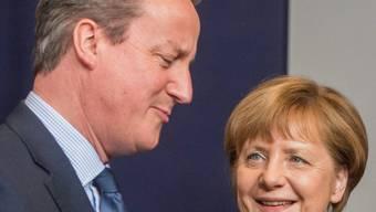 Bleib doch bei uns, scheint die deutsche Kanzlerin Merkel - die starke Figur in der EU - dem britischen Premier Cameron am Gipfeltreffen in Brüssel zu sagen. Schliesslich geht es um die Drohung eines Austritts seines Landes aus der Europäischen Union.