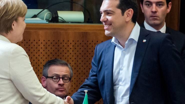 Merkel begrüsst Tsipras in Brüssel