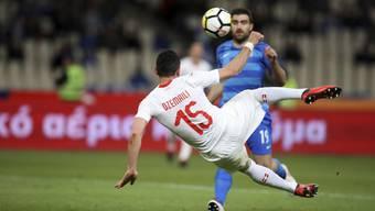 Blerim Dzemaili schiesst die Schweiz zum Auftakt des WM-Jahres 2018 mit einem herrlichen Seitfallzieher-Tor zum 1:0-Sieg in Griechenland.