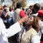 Inzwischen sind in Mosambik bereits fast 2100 Menschen an Cholera erkrankt. Rund 900'000 Menschen sollen in Kürze gegen die schwere Durchfallerkrankung geimpft werden.