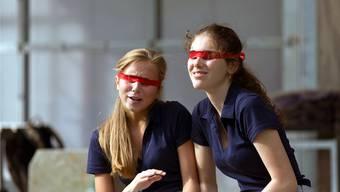 Konfliktreiche Beziehung: Juana (Josefine Lurtz) und Elisa (Salome Müller) (v.l.), zwei Schülerinnen der Blindenschule.