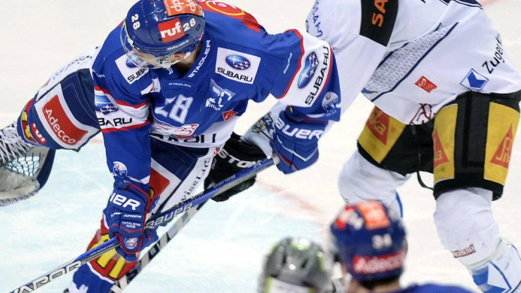 Tim Ramholt (oben rechts) verteidigt ab der neuen Saison für die Kloten Flyers