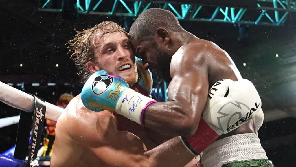 dpatopbilder - Social-Media-Star Logan Paul hat gegen Ex-Weltmeister Floyd Mayweather durchgehalten. Foto: Lynne Sladky/AP/dpa