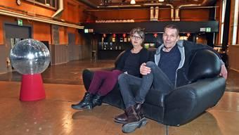 Esthi Straumann und Oli Krieg bezeichnen ihren Job im Kulturzentrum Schützi als Traumjob. Nun lassen sie sich per Ende 2018 vorzeitig pensionieren.