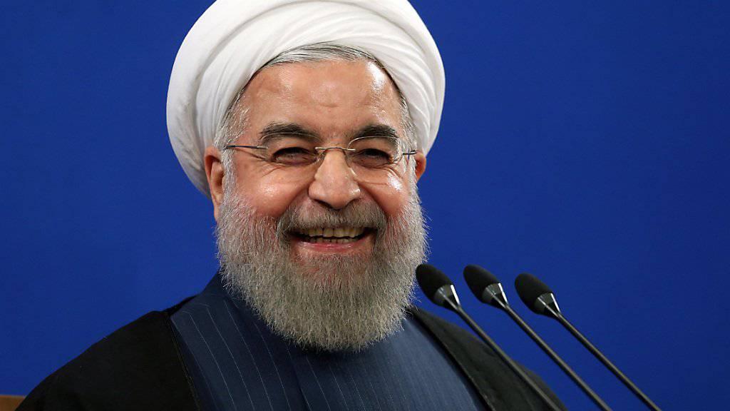 Nur nicht persönlich nehmen: Irans Präsident Hassan Ruhani erklärt in einem Interview, wie das Volk in den USA die regelmässigen «Tod Amerika» im Iran verstehen soll. (Archivbild)