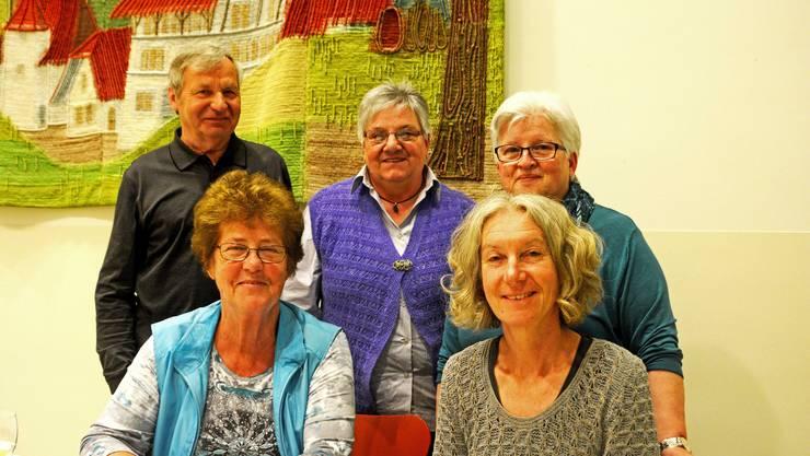 Vorstand Altersheimverein Gränichen mit Präsident Kurt Hirt, Rita Kaufmann, Alice Ruch, Isabella Storchenegger, Sonja Pascut(v.l.)