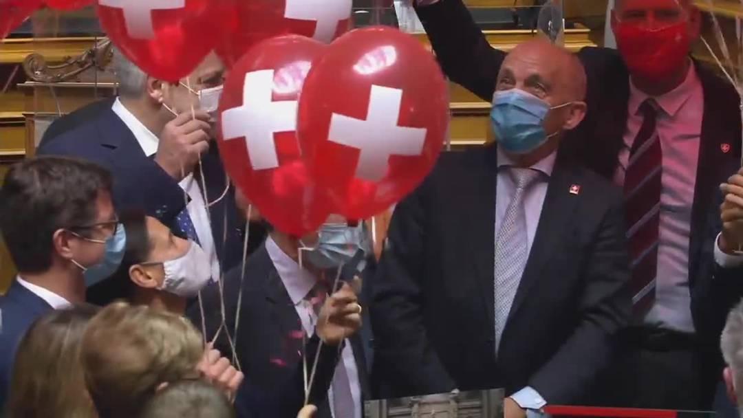 Ballone für Ueli Maurer: Nationalrat feiert 70. Geburtstag des Bundesrates