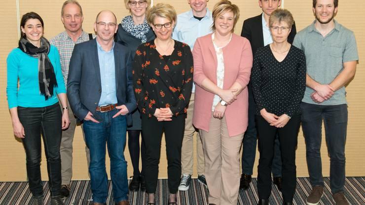 von links: Helen Amstad (Unterhaltung), Urs Beck (Festwirtschaft), Markus Koch (Bau), Andrea Lüthi (Aktuariat), Barbara Junker (Vizepräsidium), Kevin Kölliker (Personal), Martina Bolli (Jugendmusiktag), Ralph Kurmann (Sponsoring), Cornelia Felber (Kasse), Michael Nünlist (Präsidium)