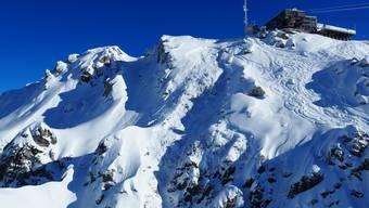 Ausgelöst hatte die Lawine ein einzelner Skifahrer. Am Ende wurden zehn Personen von den Schneemassen verschüttet.