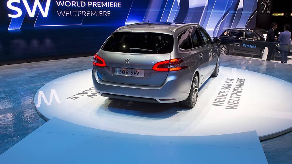 Chipmangel macht Autoherstellern weiterhin zu schaffen
