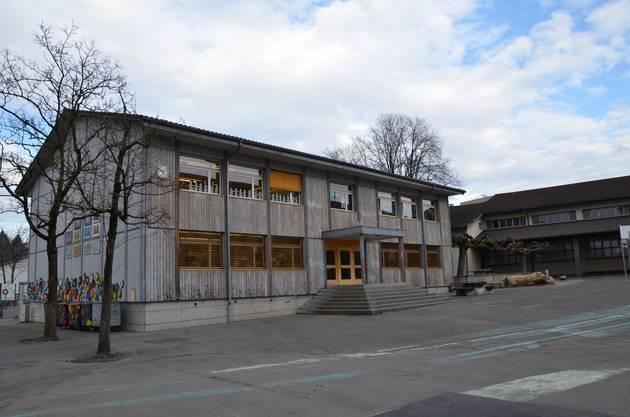 Der Platz wird eng im Wohler Schulhaus Halde. Sanierung und der Teilneubau sind geplant, doch schon heute weiss man, dass jedes Zimmer belegt sein wird.