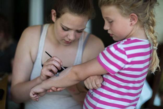 Kinderschminken goes Bodypainting