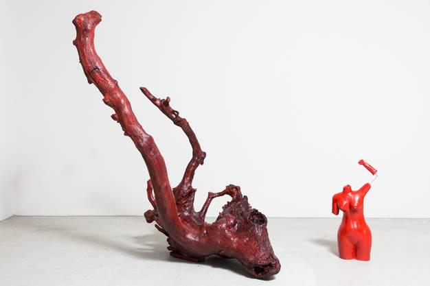 Dabei entstanden Werke, mit denen sich die Künstlerin gegen Sexismus und Fremdenfeindlichkeit aussprechen will.