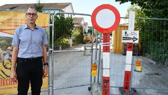 EVP-Einwohnerrat Stefan Fehlmann nutzt die Reutenenstrasse als Arbeits- und Freizeitweg. Dass sie gesperrt ist, passt ihm nicht.