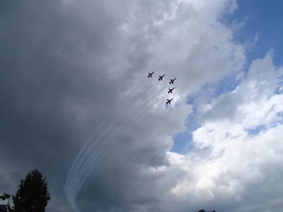 Die Patrouille Suisse grüsste die WettkämpferInnen am Samstag-Nachmittag!