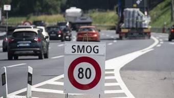 Eine neue Publikation des Bundesamts für Statistik zeigt, dass die Sorgfalt gegenüber Umwelt und Ressourcen in der Schweiz wächst. Eine Ausnahme bildet immer noch der private Personenverkehr. (Archivbild)