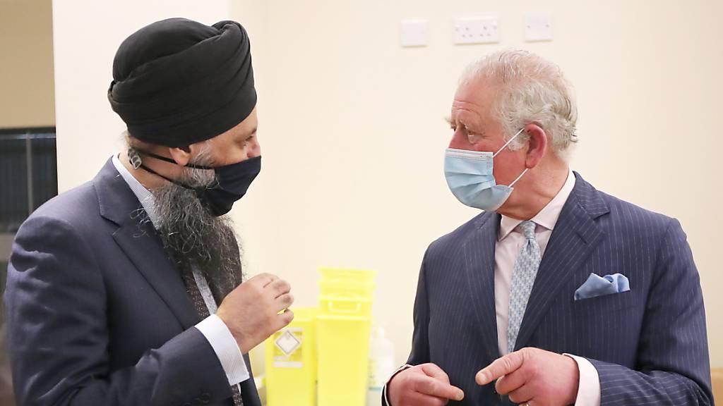 Prinz Charles wirbt bei britischen Minderheiten für Corona-Impfungen