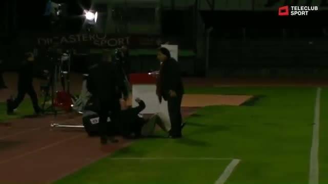 Christian Constantin attackiert Rolf Fringer vor laufender Kamera