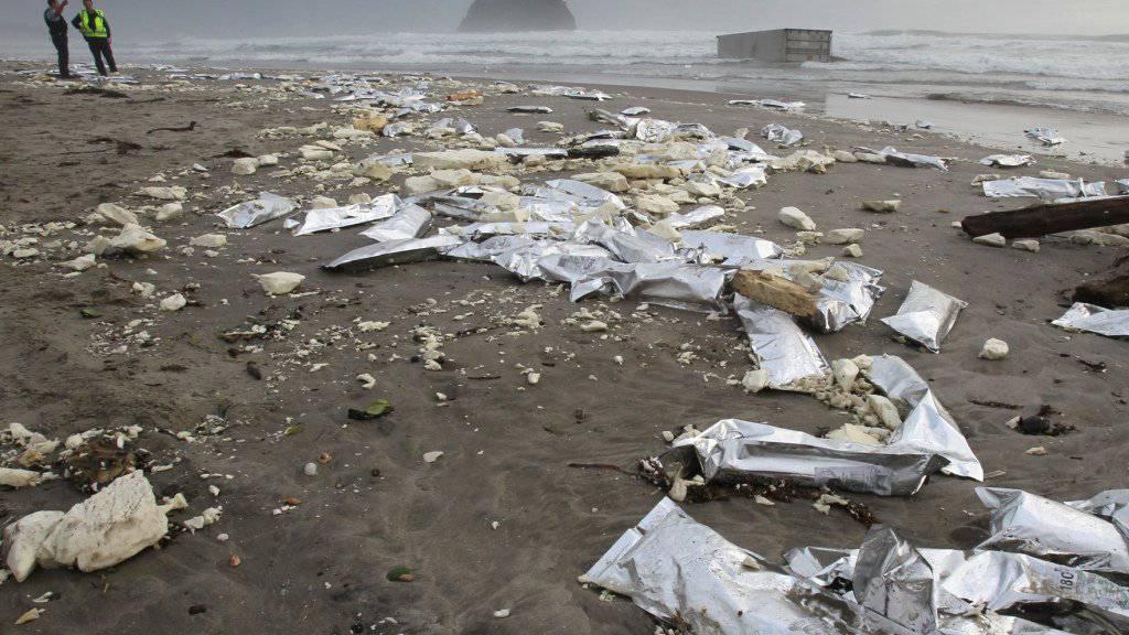 Plastik im Wasser, Plastik am Strand: Die Meeresverschmutzung bedrängt Fische zunehmend. (Symbolbild)