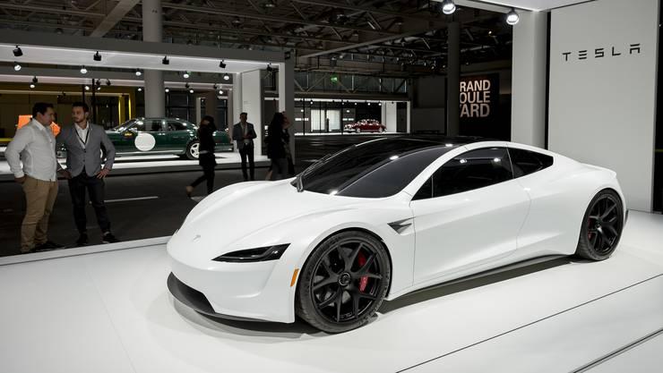 An der Grand Basel sind nicht nur moderne Teslas zu bestaunen...