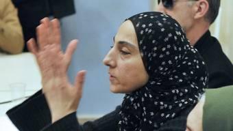Die Mutter der Verdächtigen von Boston (Bildmitte, Archiv)
