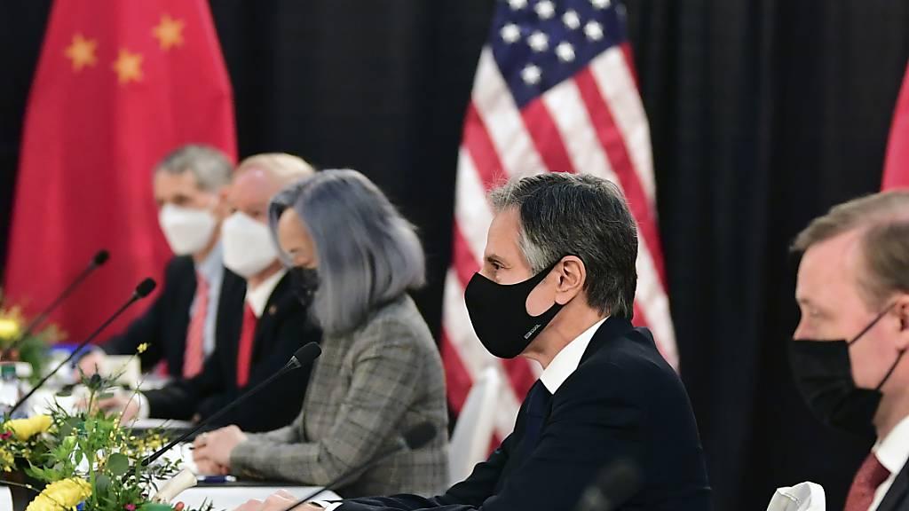 Die USA und China wollen im Umweltschutz stärker zusammenarbeiten. Zuvor hatten sich Vertreter beider Staaten bei einem Treffen in Anchorage (Alaska) einen undiplomatischen verbalen Schlagabtausch geliefert. (Archivbild)