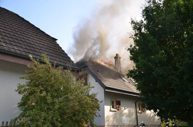 Die Feuerwehr hatte den Brand schnell im Griff. Verletzt wurde niemand.