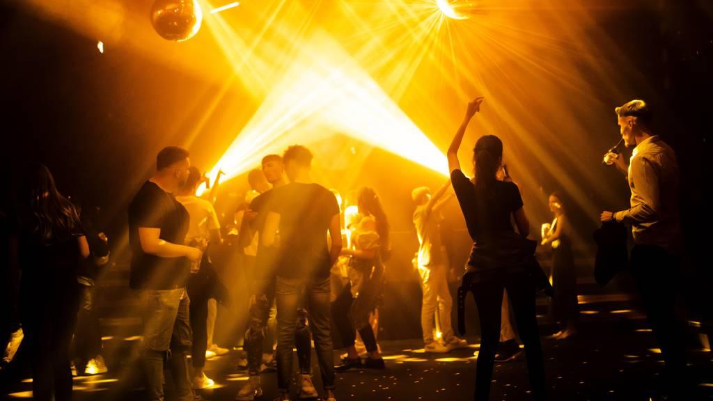 Österreich will nur noch Geimpfte in Clubs lassen