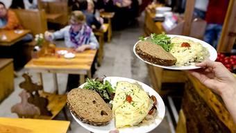 Hoch sind die Diebstahlraten auch in Restaurants und Hotels. Je 13% der Befragten haben in Restaurants und Hotels nicht bezahlt oder Gegenstände entwendet.